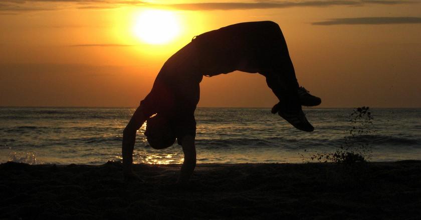 Capoeira in sunset © Silvia Nikolova / Flickr
