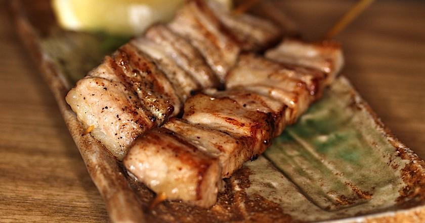 Pork belly skewers | © David Long/Flickr
