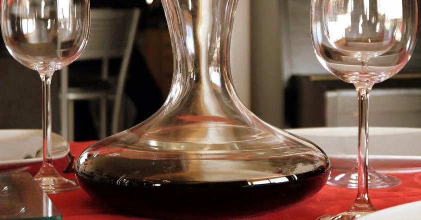 Wine on the table ©Valentin Janiaut