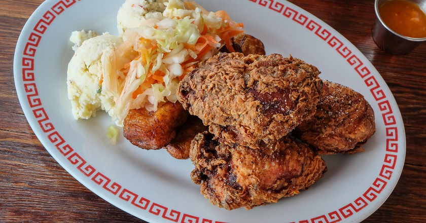 Fried Chicken, a Southern Classic| ©takataira/flickr