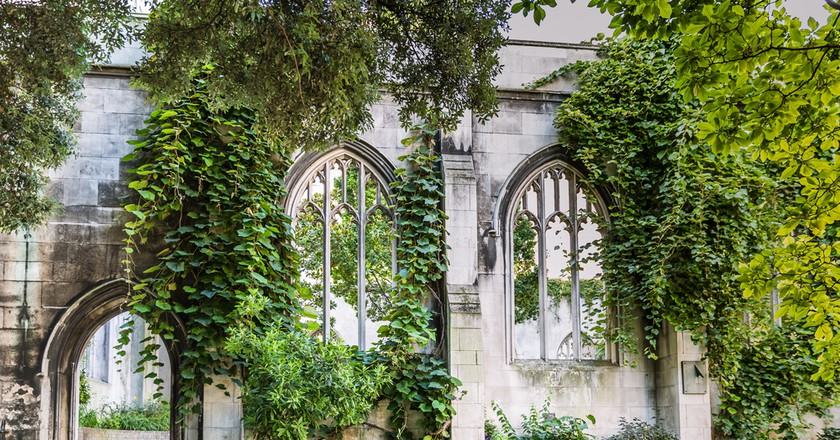 St Dunstan ancient site - burned down at the great fire 1666, rebuilt and destroyed 1941 - used today as a park   © Agota Kadar/Shutterstock