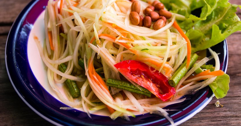 "<a href=""https://www.flickr.com/photos/dice-kt/11261612113/"" rel=""noopener"" target=""_blank"">Spicy papaya salad | © Daisuke tashiro / Flickr</a>"