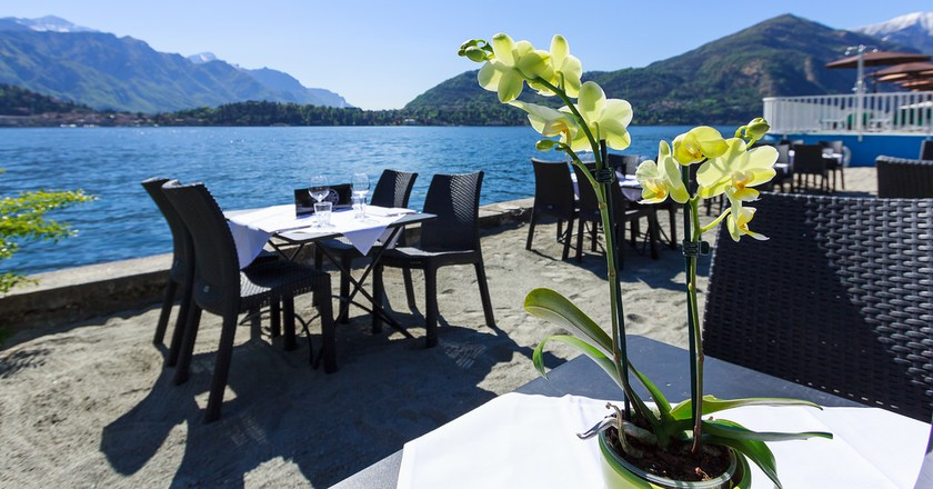Restaurant on Lake Como © Shearing Holidays/Flickr