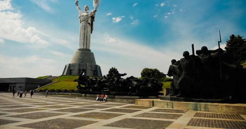 The Motherland monument |©Kamil Porembiński/Flickr