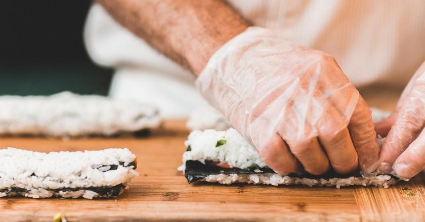 Sushi making |© Pixabay