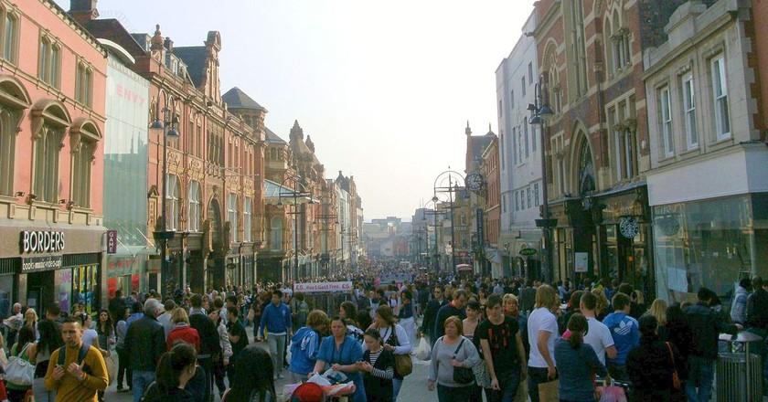 Shoppers on Briggate, Leeds | © Razorlax/Wikicommons