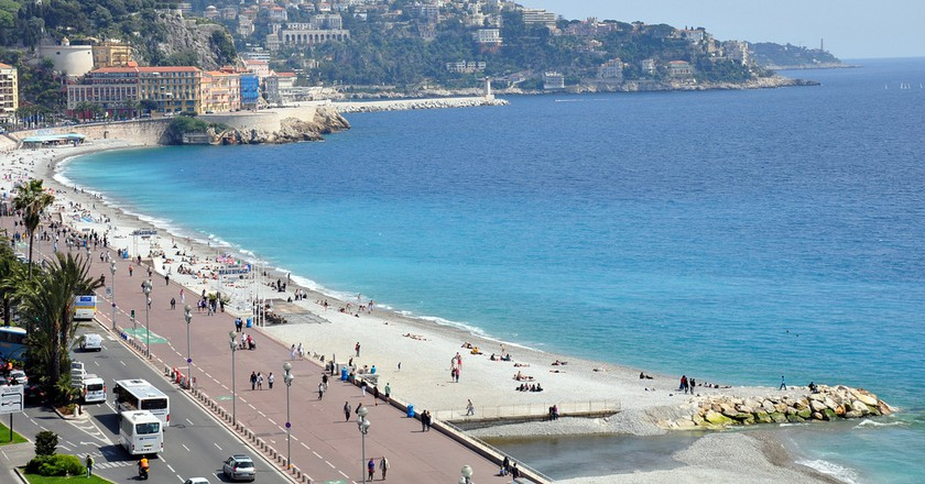Nice - Beach - Promenade des Anglais | © rhodesj/Flickr