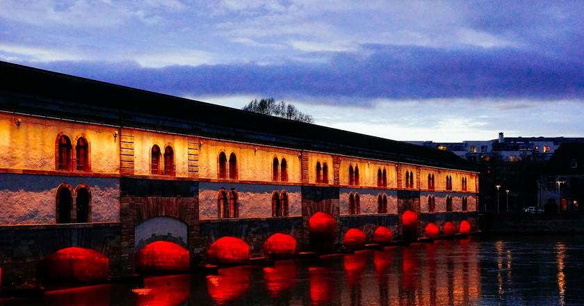 Strasbourg de nuit, quartier de la Petite France | ©Taillard Aurèle/WikiCommons