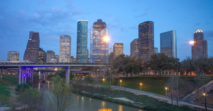 Buffalo Bayou and Houston Skyline | © Katie Haugland/Flickr