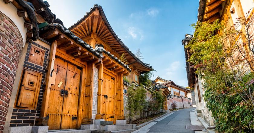 Traditional Korean style architecture at Bukchon Hanok Village in Seoul, South Korea © Vincent St. Thomas / Shutterstock