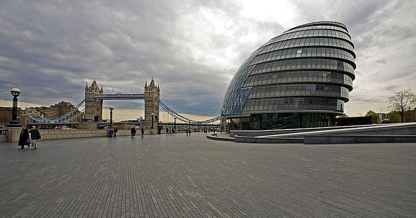 London City Hall on the bank of the Thames near Tower Bridge | ©  Francisco Conde Sánchez/WikiCommons