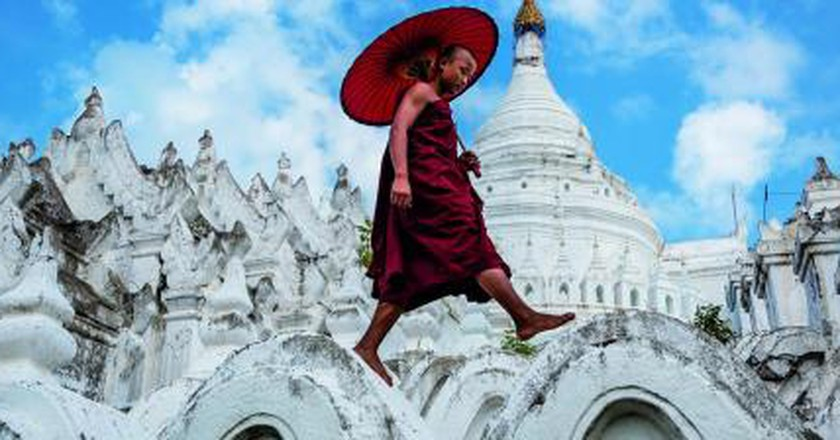 David Heath Captures Burmese Lives In His Remarkable Photographic Series