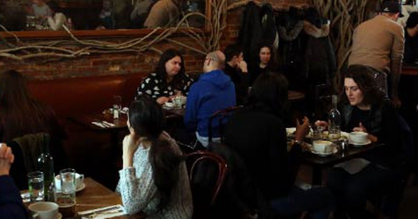 Iris Café #9, The Perfect Spot For A Romantic Meal In New York