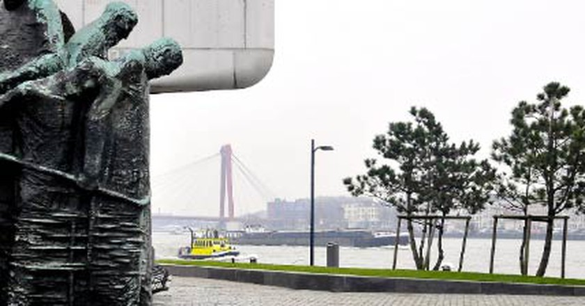 10 Unmissable Public Sculptures in Rotterdam