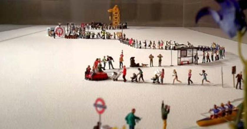 Slinkachu: Leaving Little People Around London