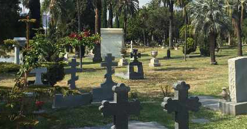 Top Weird And Captivating Attractions To See In LA