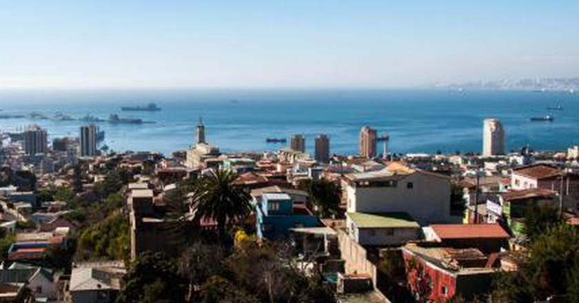 the top 10 things to do and see in valparaíso chile
