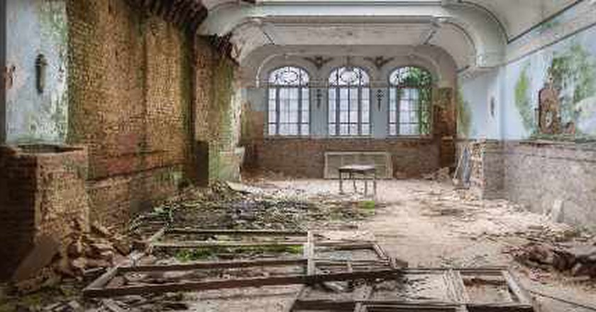 Martino Zegwaard's Photography: The Beauty of Decay