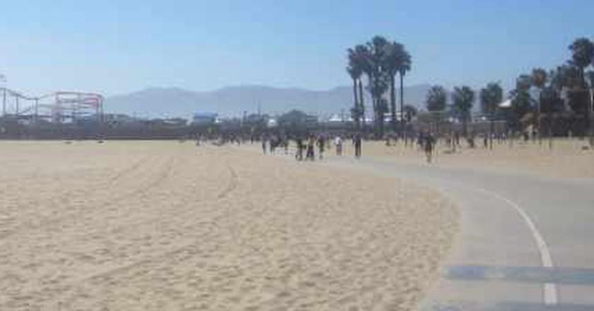Nobody Walks in LA: The 5 Best Bike Routes