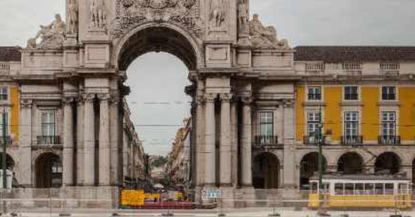 The 10 Best Bars In Alfama, Lisbon