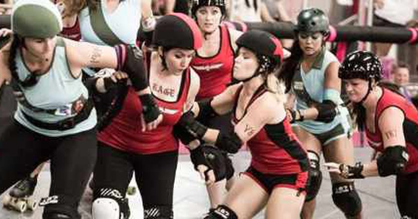 Rock And Roller Derby: Invasion Of The L.A. Derby Dolls