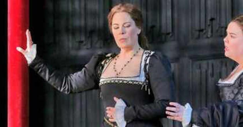 Petal On The Tudor Rose:  Sondra Radvanovsky As Anna Bolena At The Metropolitan Opera