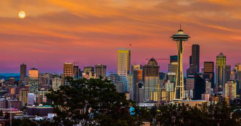 The 10 Best Bars For A Great Night Out In Seattle