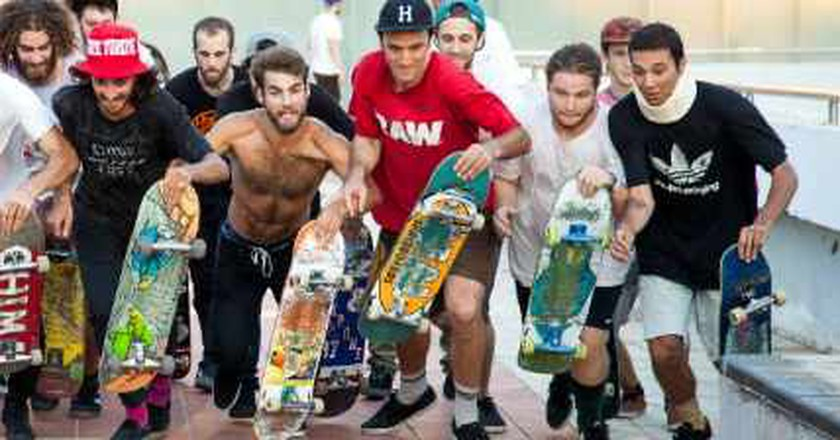Dolores Promoting Israel's Underground Skateboarding Culture