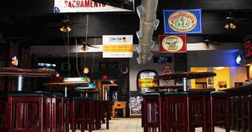 The 10 Best Bars In Downtown Sacramento