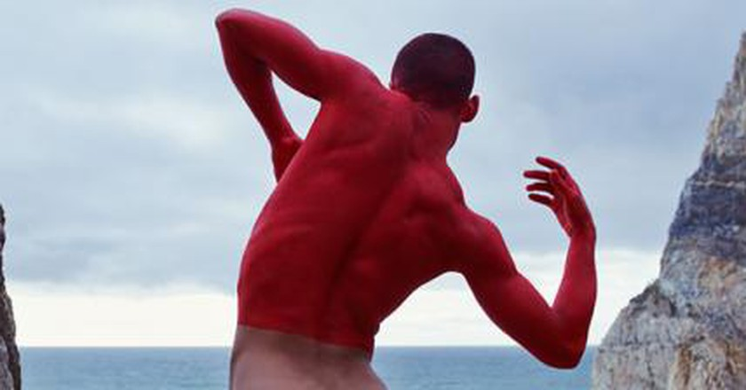 Photographer Captures Nude Dancers In Stunning Settings