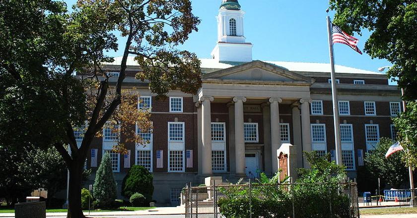 Elizabeth City Hall   Ⓒ Dagrecco1982/WikiCommons