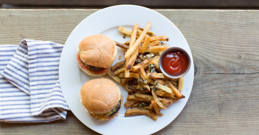 Prairie Sliders | Courtesy of Public at the Brickyard