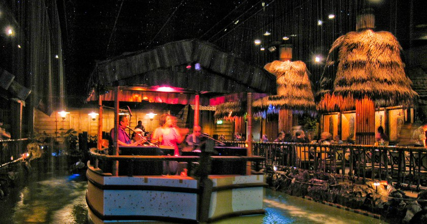 7 Spots For 18+ Nightlife In The San Francisco's Bay Area