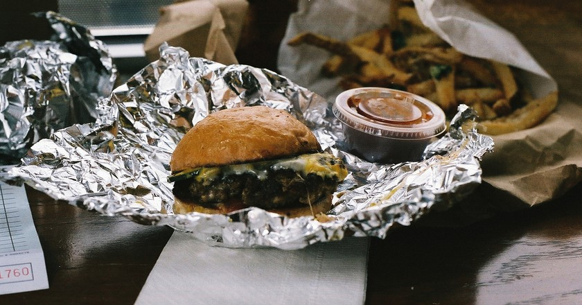 Burger and Fries from Bernie's Burger Bus | © femme run/flickr