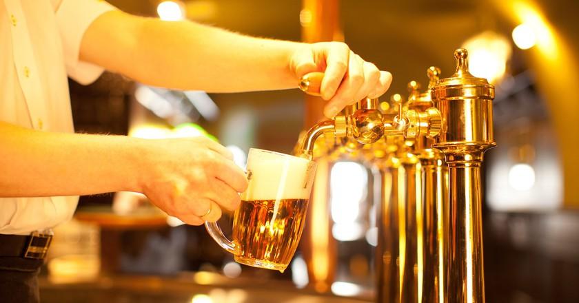 Pulling a pint © antonioandrade1/pixabay