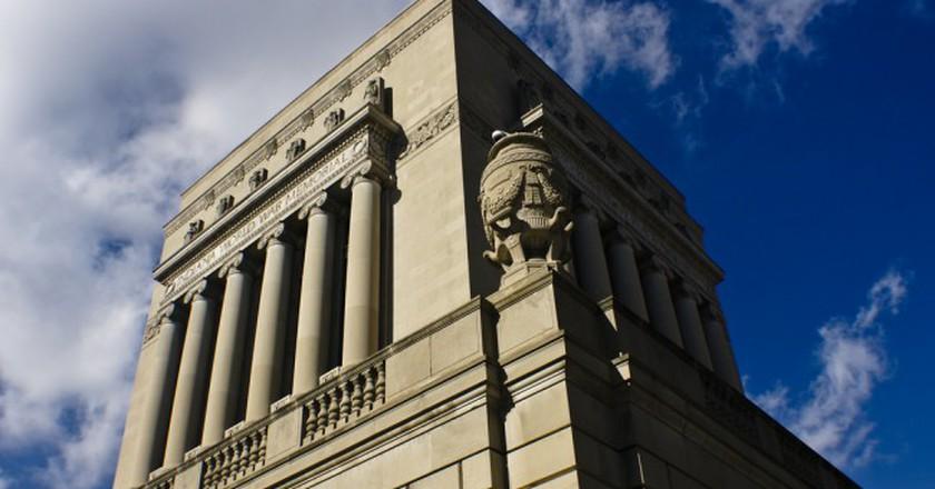 Indiana War Memorial   © Paul J Everett/Flickr