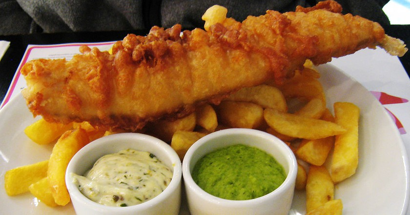 Fish, chips and mushy peas | © Charles Haynes/WikiCommons