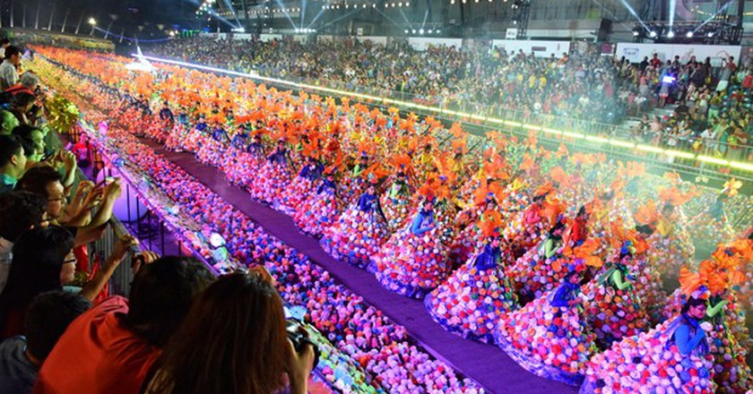 Chingay Parade in full swing | © East-West Love Story, Courtesy of Karen