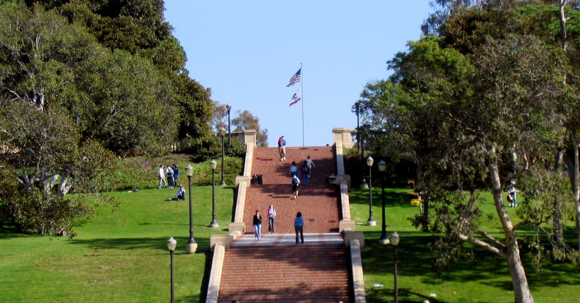 Janss Steps UCLA © Wikicommons