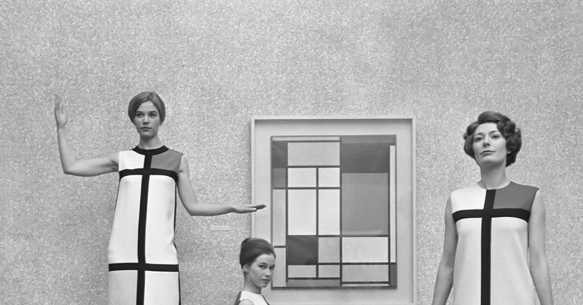 The Mondrian dress by Yves Saint Laurent, 1966| © WikiCommons