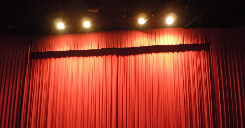 Stage curtains | © Bagaball/Flickr