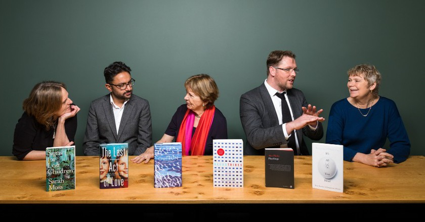 Wellcome Book Prize 2016 - judges with shortlist, left - right Tessa Hadley, Sathnam Sanghera, Joan Bakewell (chair), Damian Barr, Frances Balkwill | Courtesy of FMCM Associates