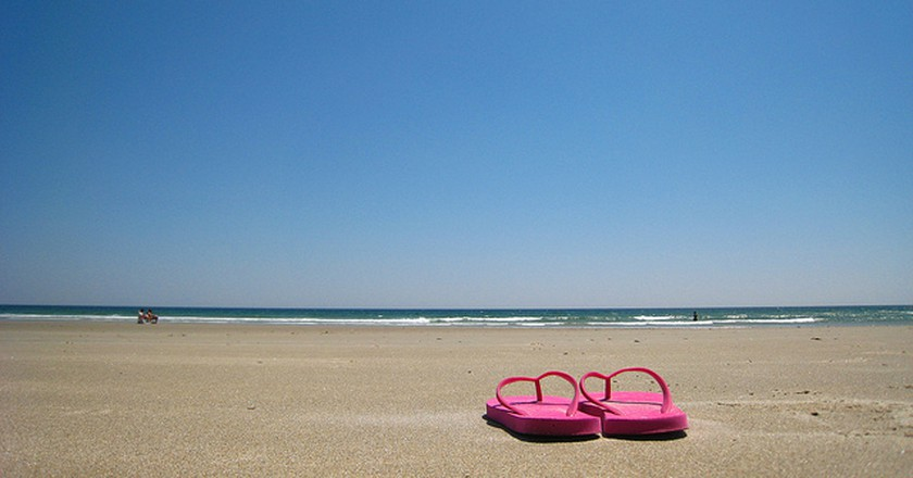 Flip flops are an essential item for the beach | © |vv@ldzen|/Flickr