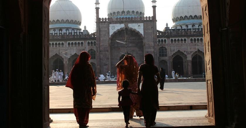 Taj-Ul-Masjid: India's Largest Mosque