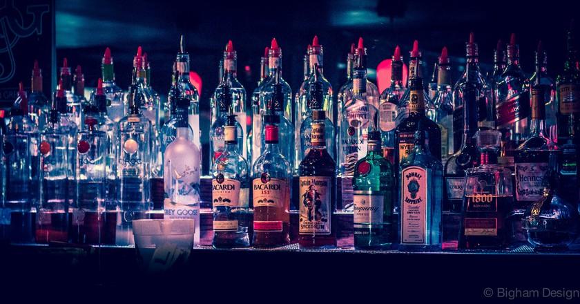 Top Shelf Beer/Liquor from Bar | © Ted Bigham/Flickr