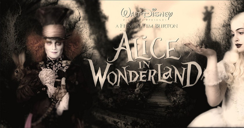 watch Alice Through the Looking Glass (English) full movie download