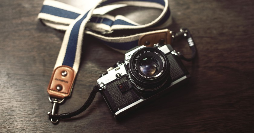An old film camera from Olympus © Pexels.com