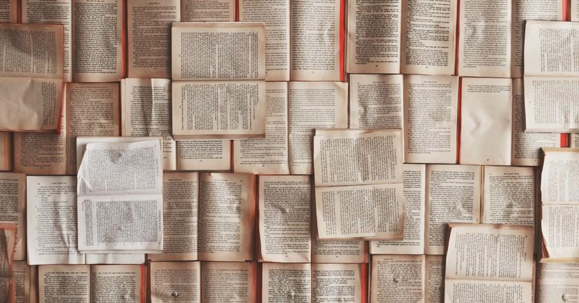Books   © Patrick Tomasso / Unsplash