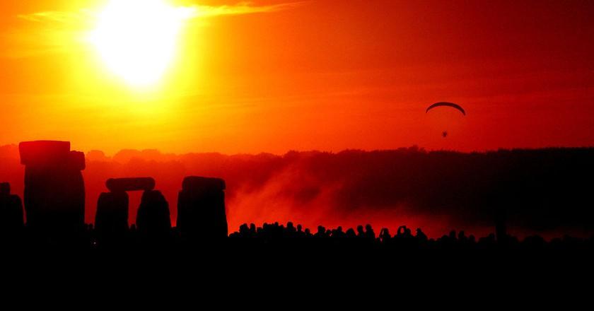 Solstice Dawn at Stonehenge | © Taro Taylor/WikiCommons