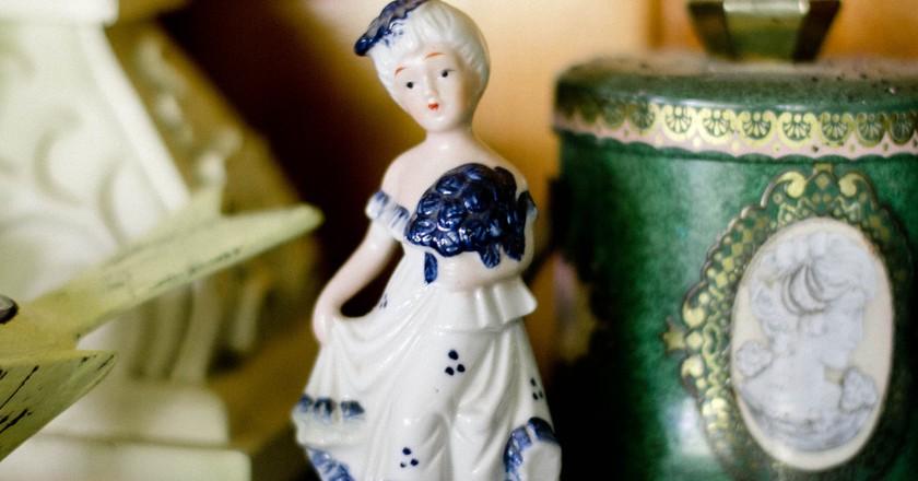Porcelain Figure 17th Century   © Public Domain Archive